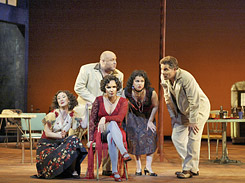 Frasquita, Le Remendado, Carmen, Mercedes et le Dancaire (©CoryWeaver)
